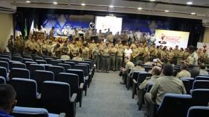 Instrutores  do Proerd durante comemoração de 15anos do programa.JPG