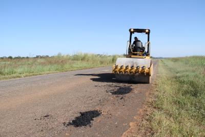 Ageto termina o trabalho de tapa-buracos na TO-255 entre Porto Nacional e Monte do Carmo.