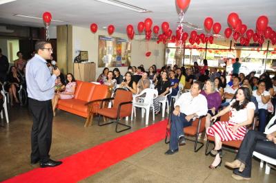 O secretário Geferson Barros homenageou as servidoras  destacando a importância destas para o serviço público
