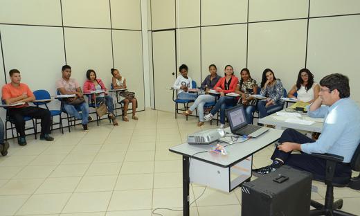 Como forma de capacitação de candidatos e trabalhadores, o Sine oferece cursos como o de Capacitação em Marketing Pessoal