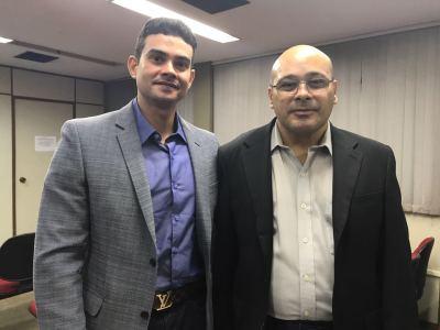 Presidente da Aproeto, Rodrigo Meneses e  o novo procurador do Estado, Francisco Araújo.