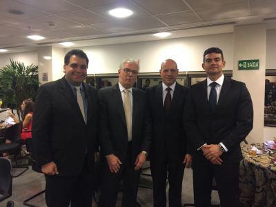 PGE Sérgio do Vale com os procuradores Frederico Abinader Dutra(esq.) , Telmo Lemos Filho e Rodrigo Meneses (direita)