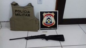 Arma longa localizada pela PM em Aurora do Tocantins.