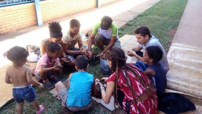 A Oficina de Bomba de Sementes reuniu pai e filhos na atividade