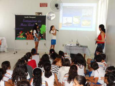 Os estudantes apresentaram o resultado de uma semana de atividades diversas sobre o meio ambiente