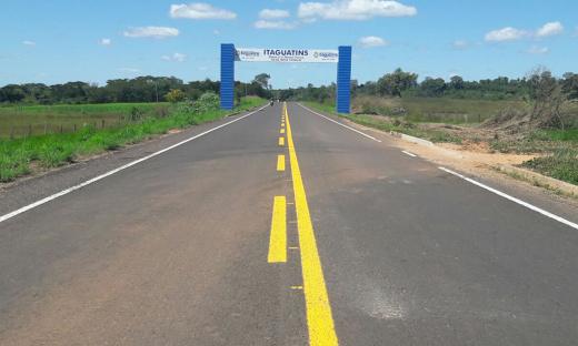 O pavimento foi todo reconstruído desde a base da rodovia, que já tinha ultrapassado sua vida útil