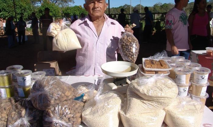 Cerca de 40 expositores estarão comercializando produtos da agricultura familiar