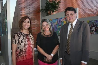 Tessa Freitas, Noraney e Alexandro de Castro na abertura da exposição