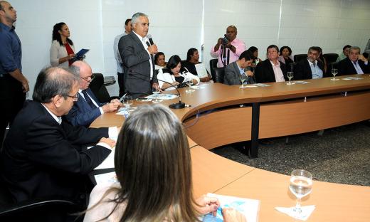 O presidente da TerraPalmas, Aleandro Lacerda, lembrou que a regularização fundiária é um trabalho conjunto do Governo do Estado, líderes comunitários, corregedoria e cartório de imóveis