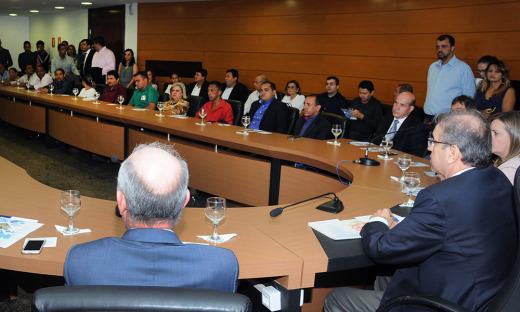 O lançamento do Meu Lote Legal contou com a presença de representantes das 17 quadras beneficiadas em Palmas, além de autoridades do Estado e Município
