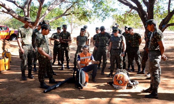 Militares do Exército receberam treinamento de combate a incêndios florestais e atuarão como brigadistas no entorno da Serra do Lajeado