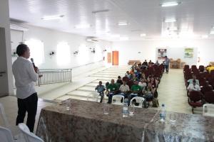 Edson Cabral, vice-presidente do Naturatins, fala na abertura da reunião do Mosaico do Jalapão