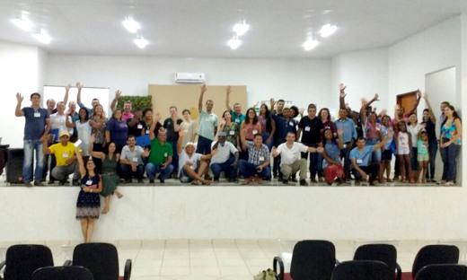 Representantes de diversos órgãos e instituições estão reunidos na cidade de Almas
