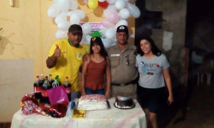 A festinha surpresa oocorreu na casa da menina, no Setor Taquari em Palmas.