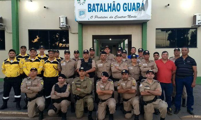 Uma das turmas de policiais militares e agentes do Ciretran que participam da instrução em Guaraí
