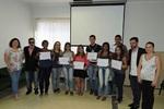 Cursistas recebem diplomas de cursos profissionalizantes ofertados pelo Pronatec