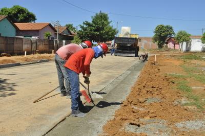 Serão concluídas as obras de pavimentação, drenagem, sinalização e de construção de calçadas