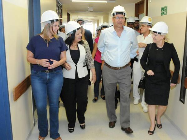 Marcelo Miranda vistoriou o andamento das obras do 3° piso do Hospital Geral de Palmas (HGP) que, após finalizado, disponibilizará 96 novos leitos para atender a população