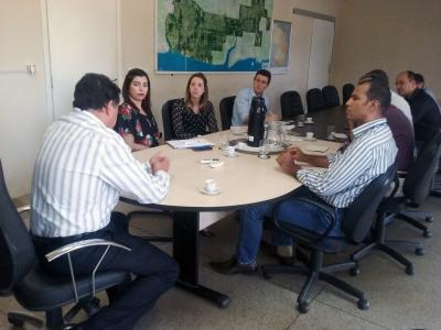 Equipe da Seden recebeu representante da Fieto e consultores para tratar das cadeias produtivas