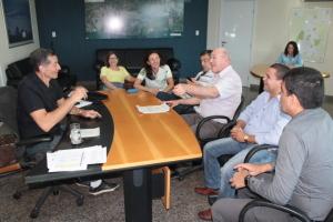 A assinatura do contrato contou com a participação de representantes do Naturatins e Seinfra