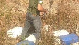 Técnico flaga embalagem de agrotôxico em local inadequado