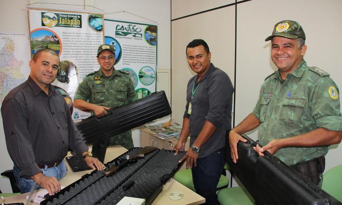 Naturatins viabiliza manutenção e entrega rifles para disparos de dardos tranquilizantes ao BPMA