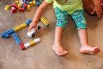 A pequena Sofia interagiu com as atividades;