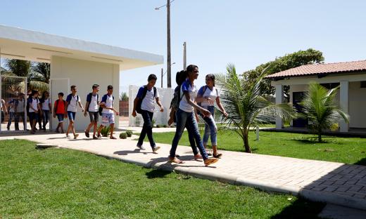 Governador inaugura reforma e ampliação do Colégio Estadual Darci Ribeiro em Pugmil