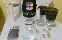 Prisões aconteceram em Palmas e Aguiarnópolis; além de um simulacro de arma de fogo, foram apreendidas drogas e até um pé de maconha