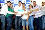 Olinda dos Santos recebe certificado em evento realizado pela ATS