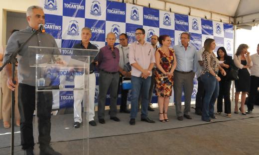 O presidente da TerraPalmas, Aleandro Lacerda, ressaltou o trabalho do Governo do Estado para dar condições para os servidores públicos conquistarem sua moradia