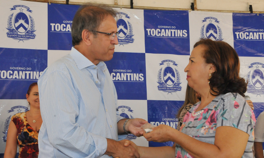 Governador Marcelo Miranda repassou as chaves dos apartamentos aos primeiros contemplados pelo Programa Minha Casa Minha Vida Faixa 2
