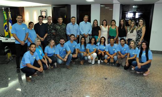 Integrantes da Caravana da Juventude que atuarão nas aldeias se reuniram com o Governador nesta terça-feira, 12, no Palácio Araguaia