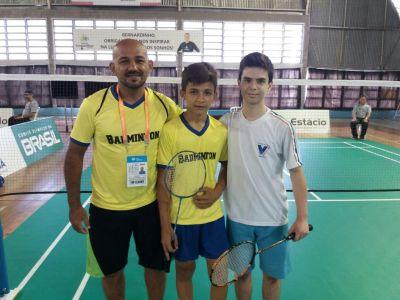 No Badminton, Thiago, treinado pelo professor Adaziel Teixeira, venceu o atleta curitibano