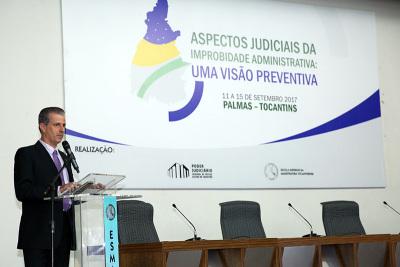 O juiz auxiliar da Presidência do TJTO, Esmar Custódio Vêncio Filho fez a abertura oficial do curso