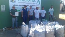 APAE de Pedro Afonso recebe doação de carvão vegetal