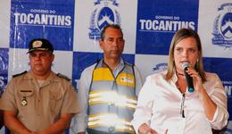 Cláudia Lelis ressaltou que entrega de veículos e equipamentos dão condições de trabalho para fortalecer a fiscalização, humanizar o trânsito e preservar vidas
