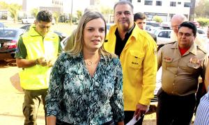 A governadora Claudia Lelis e o ministro interino do Meio Ambiente, Marcelo Cruz visitaram a Sala de Situação da Defesa Civil Estadual onde fizeram uma avaliação da situação de estiagem prolongada no Tocantins
