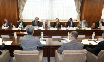 Em reunião com a comitiva tocantinense, o Ministério da Agricultura, Floresta e Pesca do governo do Japão assumiu o compromisso de analisar um estudo de avaliação da logística de grãos na Região Norte do Brasil
