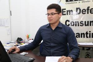 O gerente de fiscalização do procon, Magno Silva, orienta sempre o consumidor a fazer pesquisa -Ademir dos Anjos.JPG