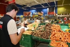A pesquisa aconteceu entre 19 a 21 de setembro nos  sete maiores supermercados de Palmas e em  Taquaralto - Ademir do Anjos.JPG