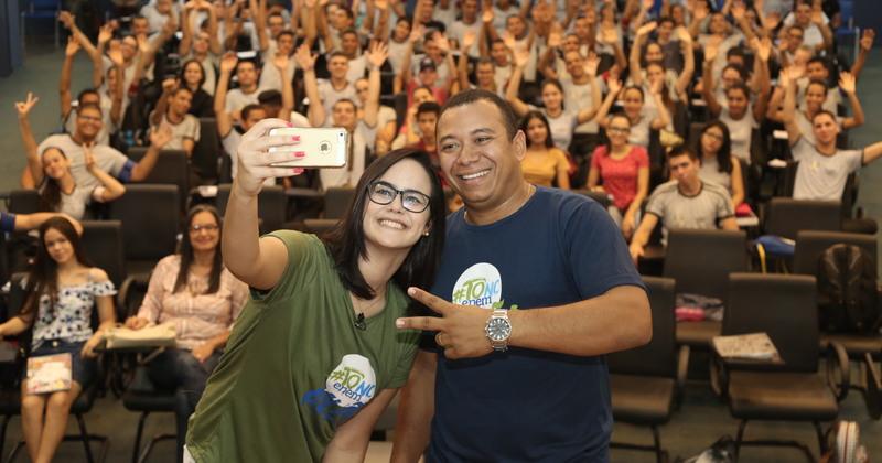 Cerca de 300 estudantes participaram das aulas pela manhã