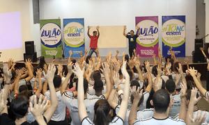 Divididos em dois turnos, cerca de 600 estudantes compareceram ao auditório do Quartel do Comando Geral da Polícia Militar do Tocantins para a segunda etapa do #TOnoEnemAulão
