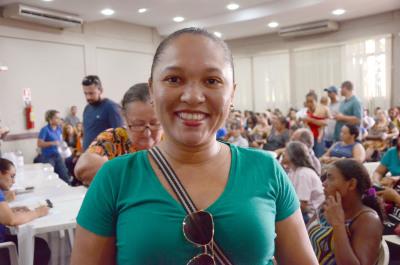 Dona de casa, Telma Sousa, já planeja o que vai fazer com recurso que vai sobrar do aluguel