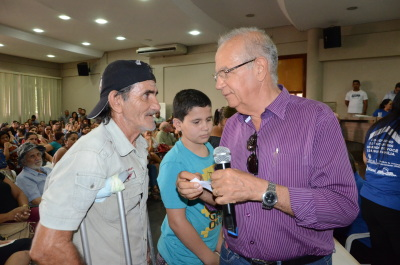O aposentado Vantoir Batista, será um dos beneficiados com uma casa adaptada para pessoas com deficiência física e está muito feliz com a conquista.