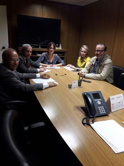 Sub-secretário de Habitação do Tocantins em reunião com secretária Nacional de Habitação