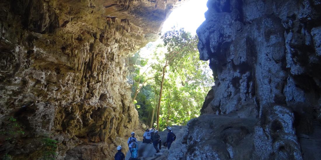 A cidade reserva vales, cavernas e cachoeiras para encantar os ecoturistas