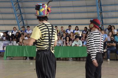 Apresentação do grupo de Circo