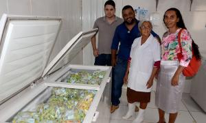 A aposentada Isabel Alves Marculino vende seus produtos para os municípios de Ponte Alta e Taguatinga