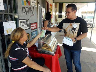 Panfletagem leva informações e orientações sobre combate às drogas a moradores das Quadras 112 e 122.jpeg